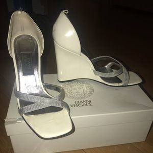 Gianni Versace Size 38 Wedge Sandals